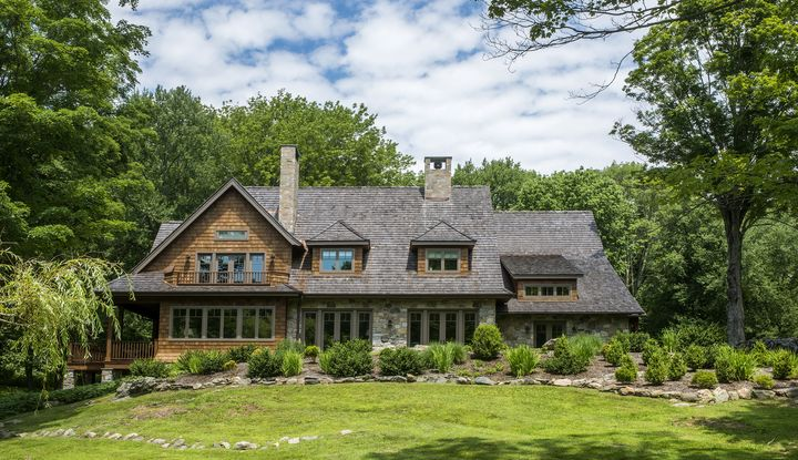 61 Pound Ridge Road - Image 1