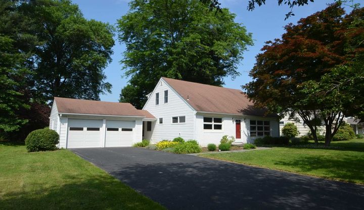 8 OLD FARMS RD - Image 1