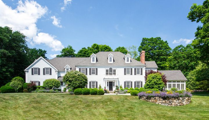 881 Valley Road - Image 1