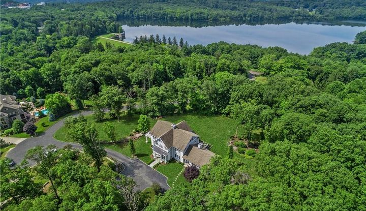 51 Middle River Road - Image 1