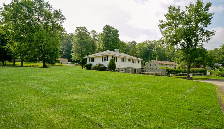 33 East Mountain Road - Image 1