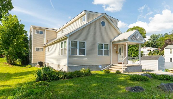 7 IRVING AVE - Image 1