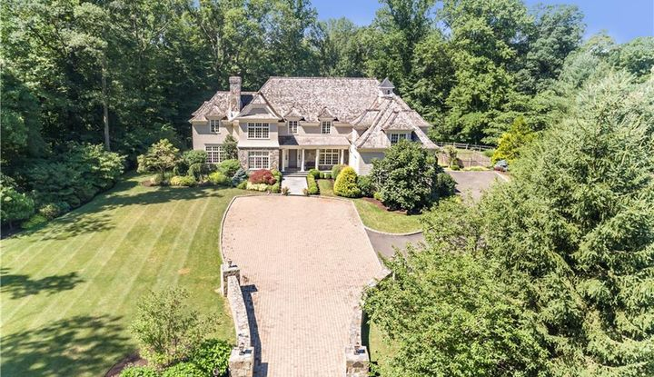64 Country Club Road - Image 1