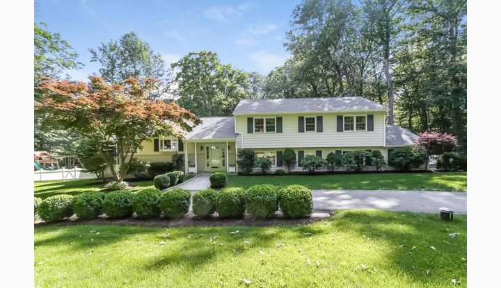 91 Pocconock Trail New Canaan, CT 06840 - Image 1