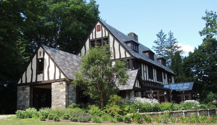 26 Mansion Drive - Image 1