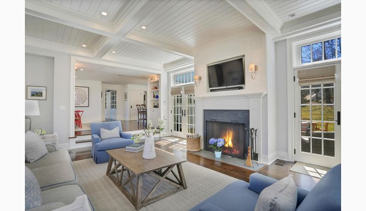 8 Hampton Lane New Canaan, CT 06840 - Image 1