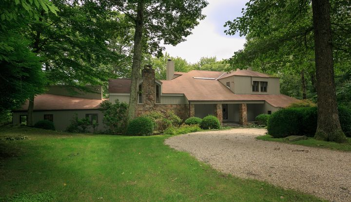 32 Hemlock Hill Road - Image 1