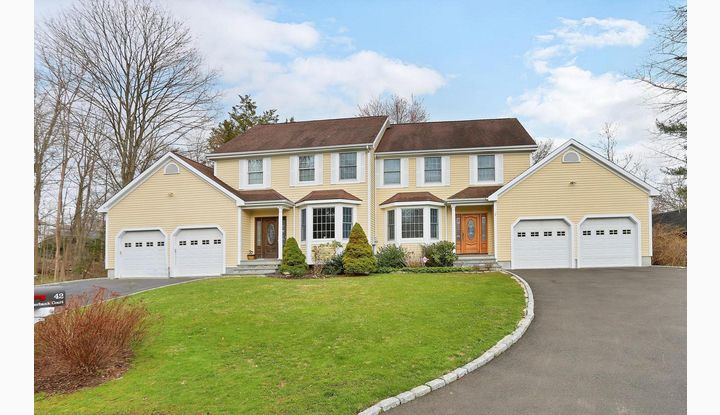 42 Riverbank Court 2B New Canaan, CT 06840 - Image 1