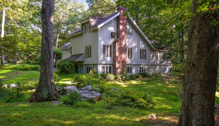 85 Eastwoods Road - Image 1
