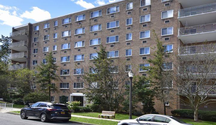 416 Benedict Avenue 3B - Image 1