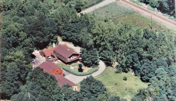 136 RIVER RD - Image 1