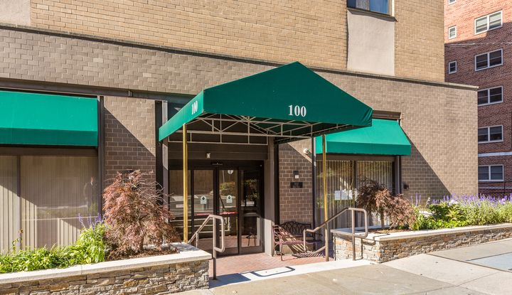 100 East Hartsdale Avenue 3JW - Image 1