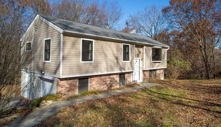 278 E MOUNTAIN RD S - Image 1