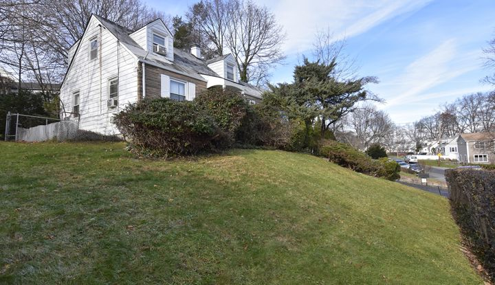 11 Hearthstone Road - Image 1