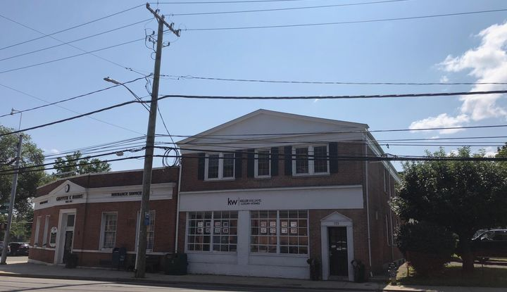 133 E Putnam Avenue 2nd Floor - Image 1