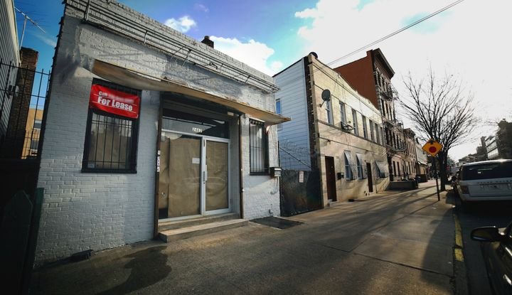 2462 Arthur Avenue - Image 1