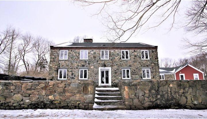 4 Stone House Drive - Image 1