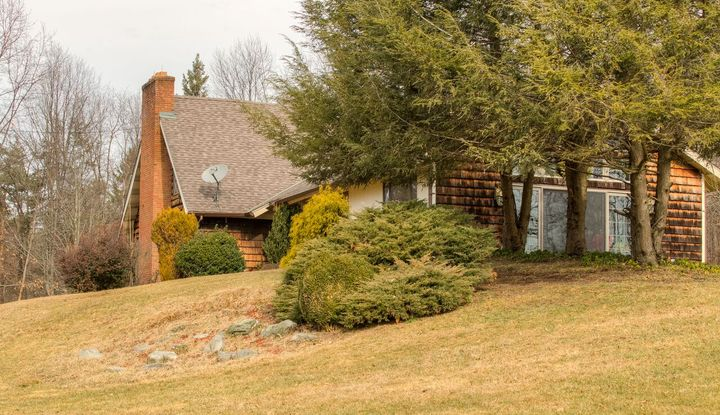 368 SMITH RD - Image 1