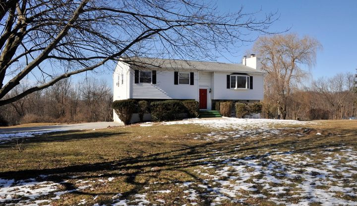 7 SPRING HILL CT - Image 1
