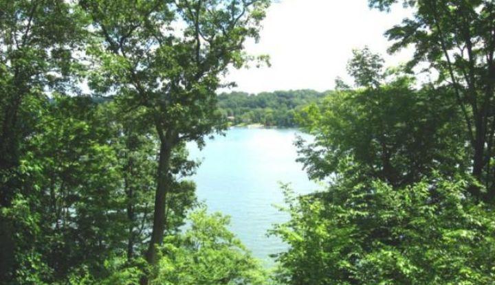 33 Lake Drive South - Image 1