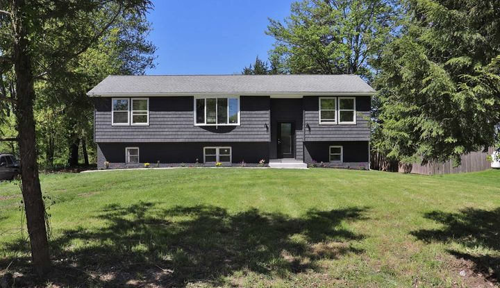 227 RHINECLIFF RD - Image 1