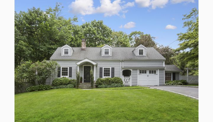 18 Olmstead Court New Canaan, CT 06840 - Image 1