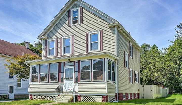 110 FAIRVIEW AVE - Image 1