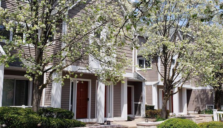 453 E Putnam Avenue 3I - Image 1