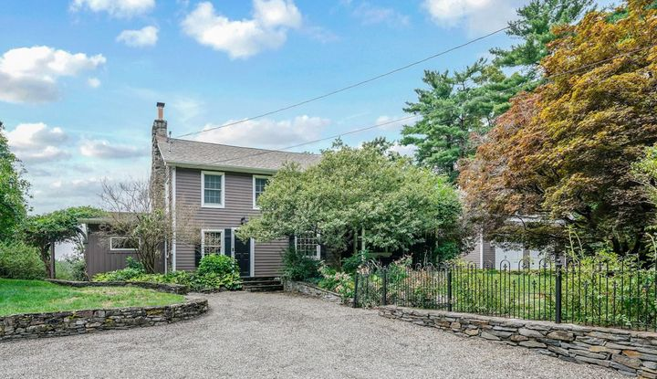26 CURRY LN - Image 1