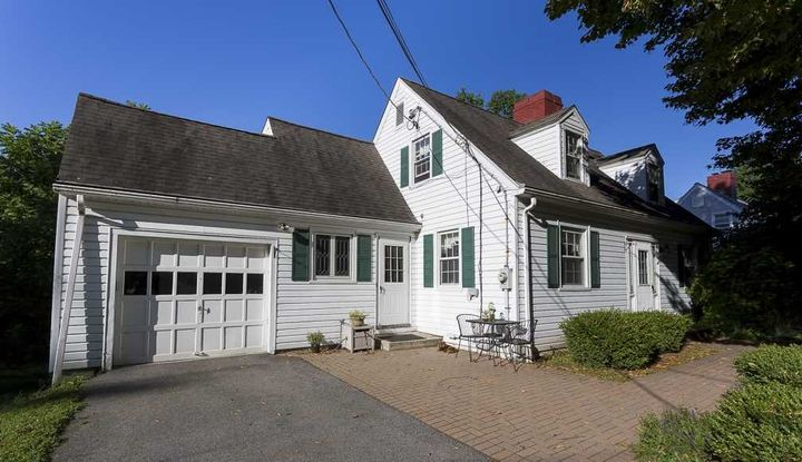 35 KNEVELS AVE - Image 1