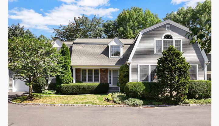 31 Lakeview Avenue 4B New Canaan, CT 06840 - Image 1