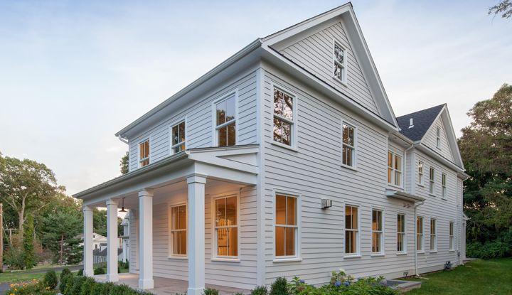 100 Hendrie Avenue - Image 1