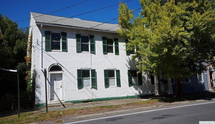 8 S Washington Street - Image 1