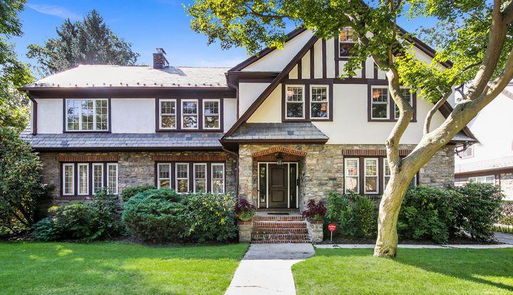 485 Pelhamdale Avenue - Image 1
