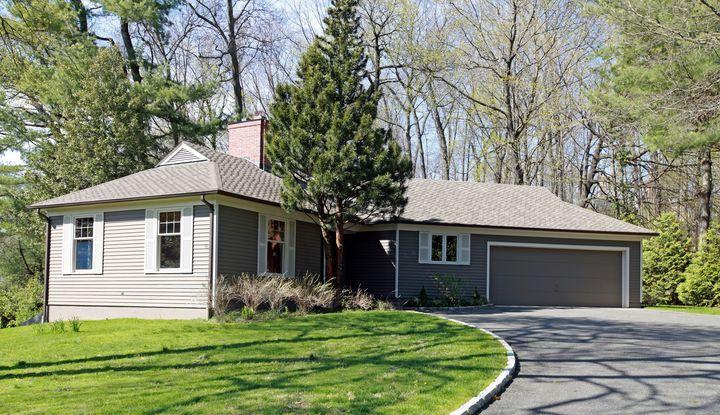 35 Meadow Wood Drive - Image 1