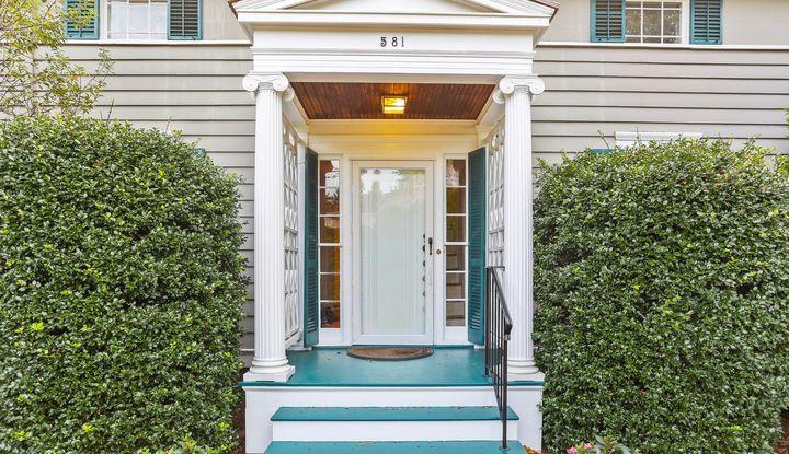 581 Pequot Avenue - Image 1