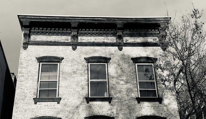 540 WARREN STREET - Image 1