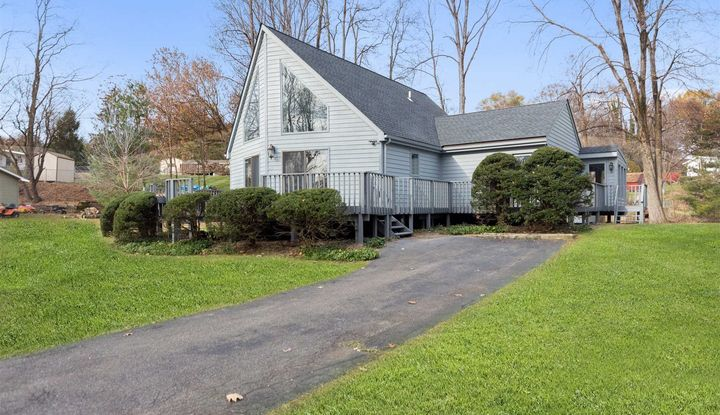 15 OLD INDIAN TRAIL - Image 1