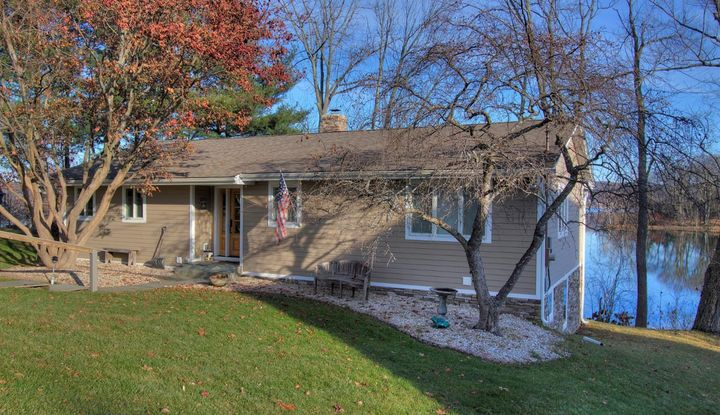 163 Golf Course Road - Image 1