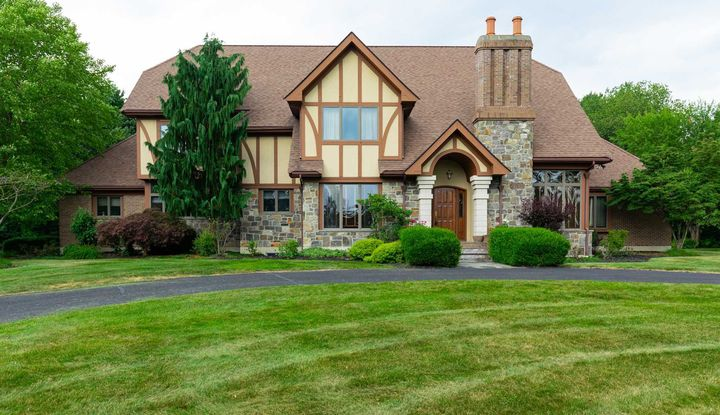 7 TACONIC VIEW CT - Image 1