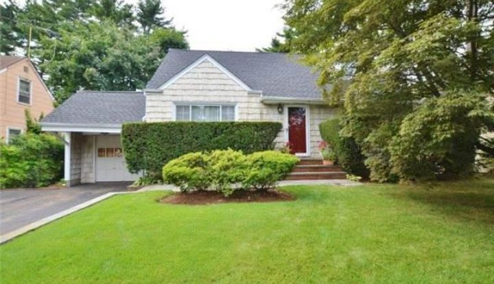78 Woodhollow Rd - Image 1