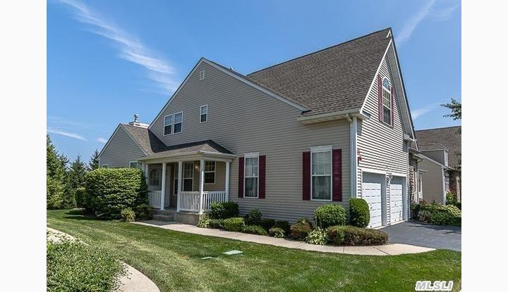 11 Meadow Pond Cir Miller Place, NY - Image 1