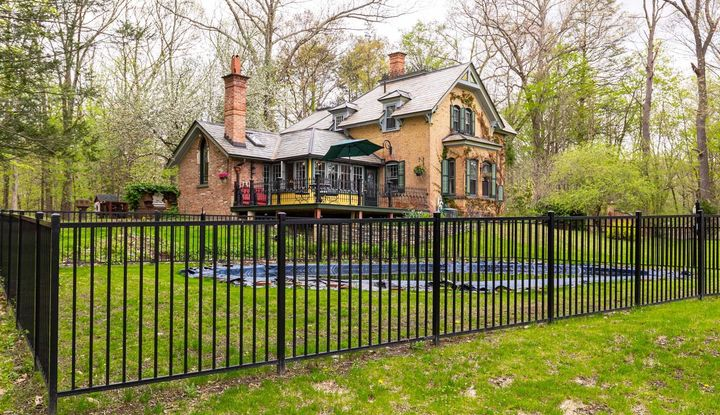 794 Woods Rd - Image 1