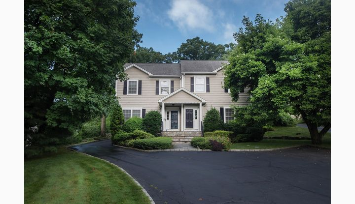 86 Forest Street S New Canaan, CT 06840 - Image 1