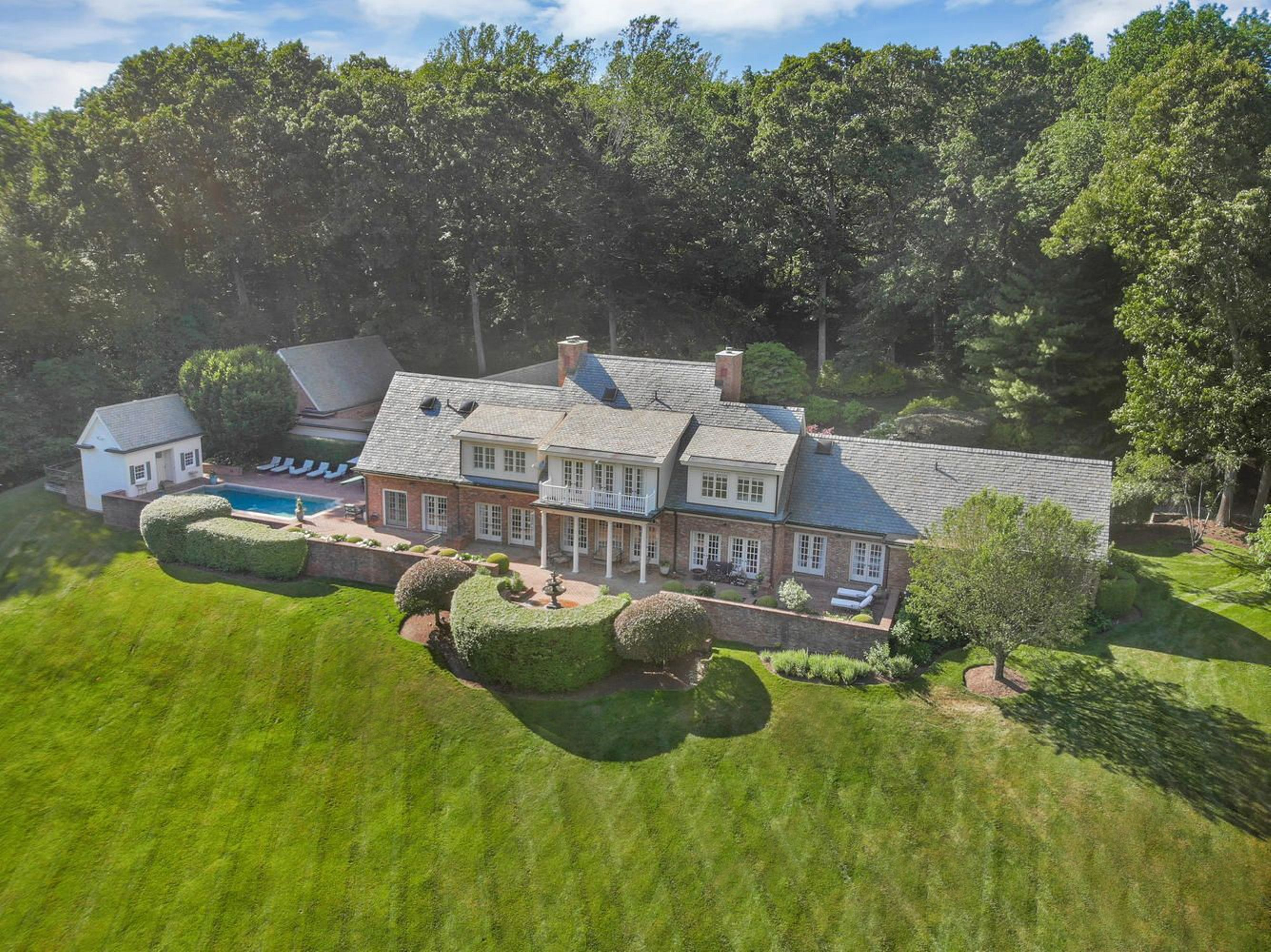 1194 Smith Ridge Road New Canaan, CT 06840 - Image 1