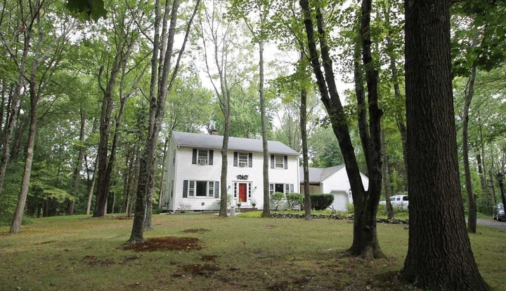 59 Crown Hill Rd - Image 1