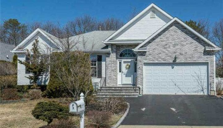 7 Holly Hill Ct - Image 1
