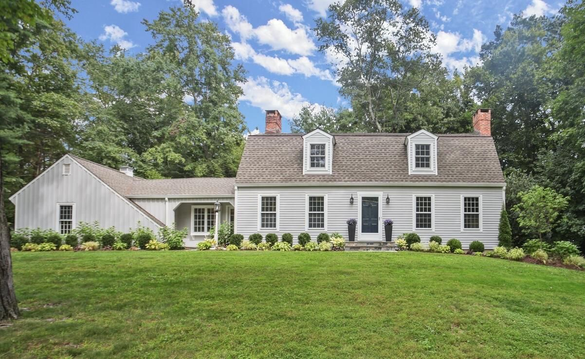 256 White Oak Shade Road New Canaan, CT 06840 - Image 1