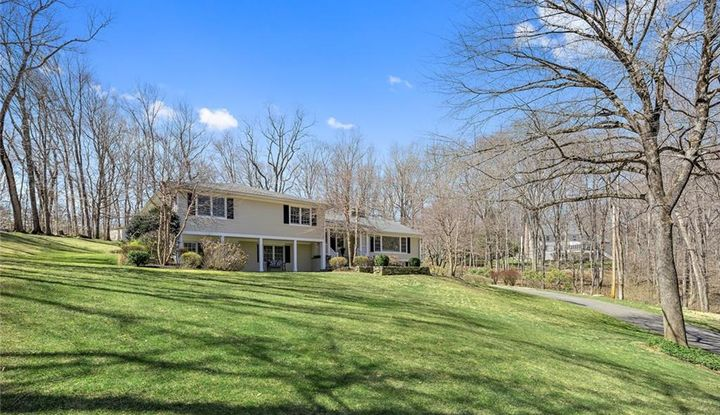 89 Comstock Hill Road - Image 1