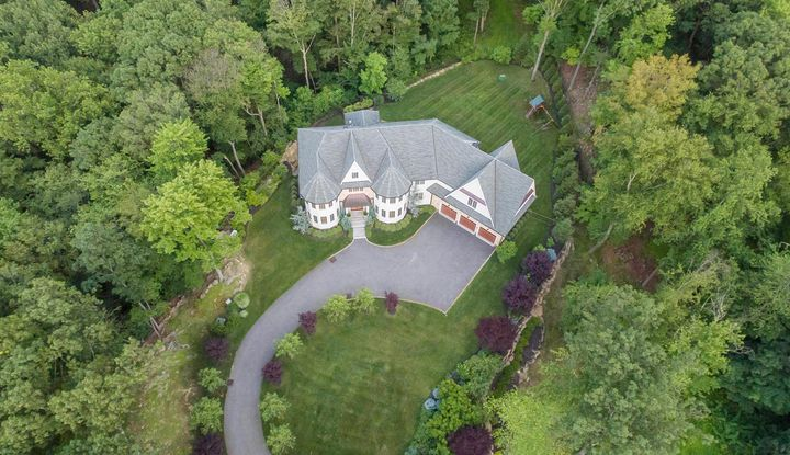 11 Hollow Ridge Road - Image 1